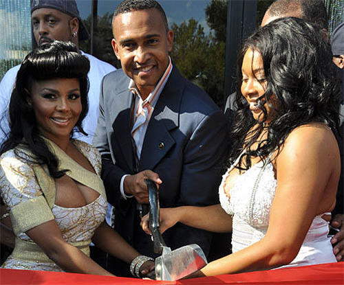 Lil Kim Opens New Hair Salon in Charlotte
