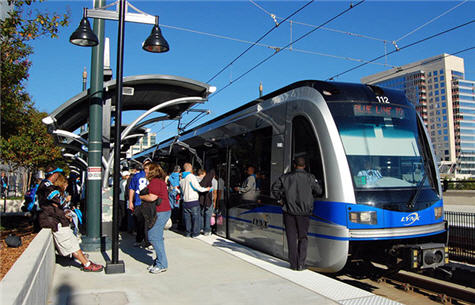 Feds Approve $70M For Blue Line Light Rail Extension