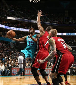 Hornets Beat Heat For 8th Win In 9 Games